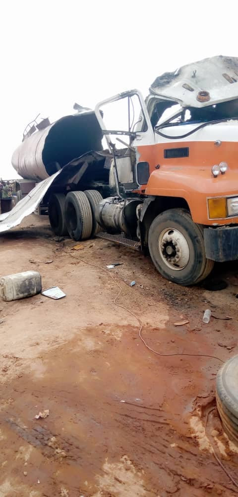 Welder killed as fuel tanker explodes at a mechanic workshop in Anambra
