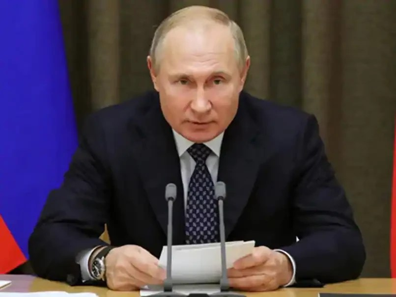 Vladimir Putin signs bill giving Russian Presidents and their families lifetime immunity from prosecution for crimes