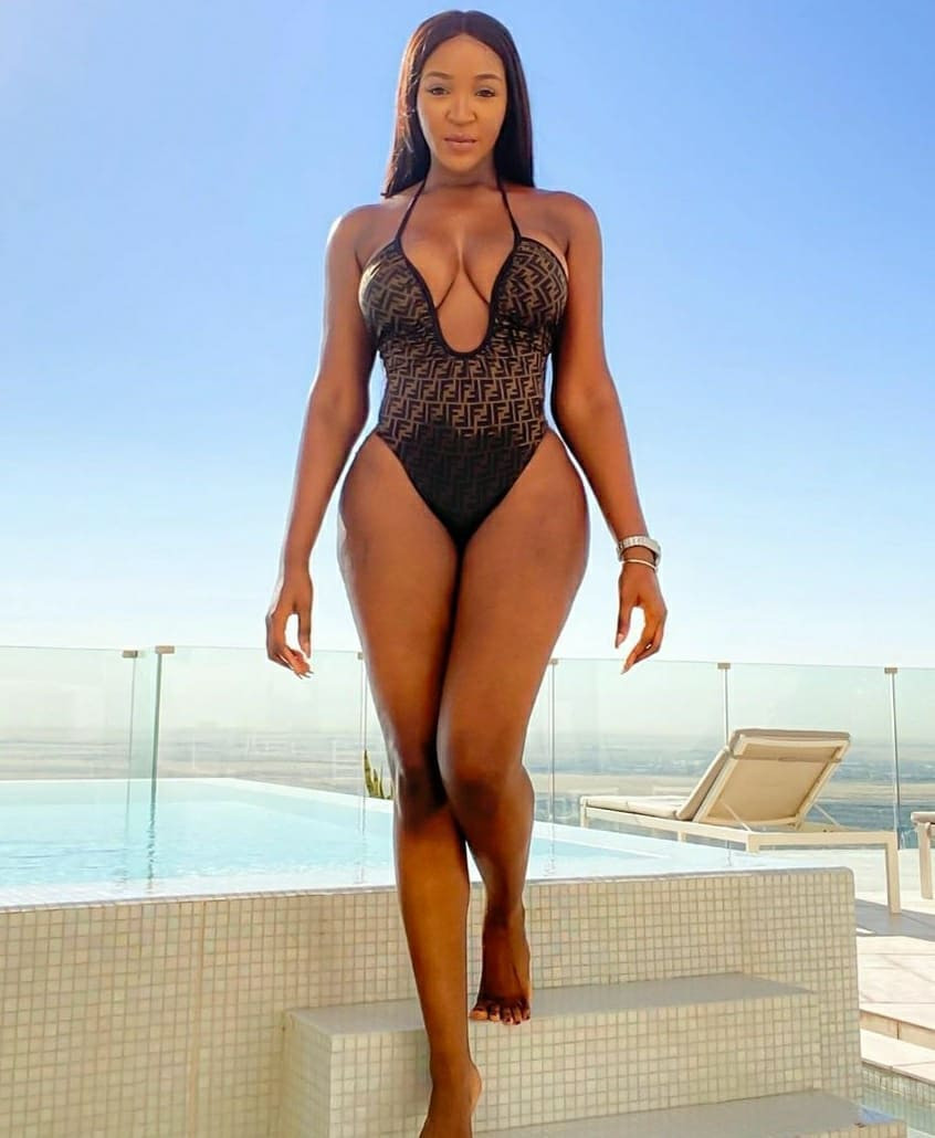 Actress Idia Aisien flaunts her curves in sexy swimwear photos