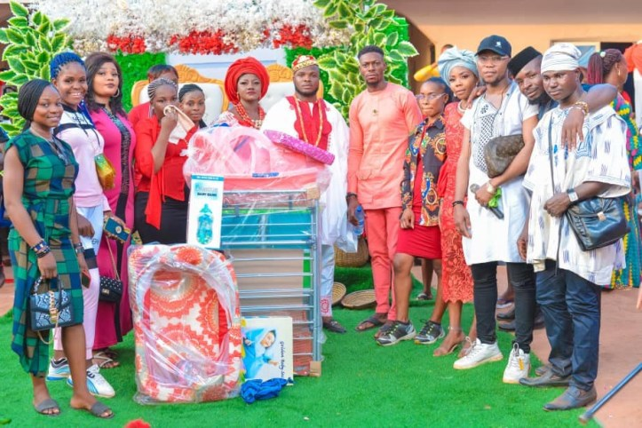 Photos from the wedding of Nigerian lady who knelt down to accept boyfriend