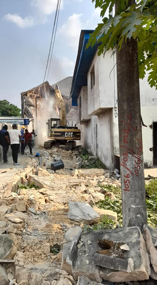 Cross River State Govt demolishes brothel and 4 houses owned by suspected kidnappers