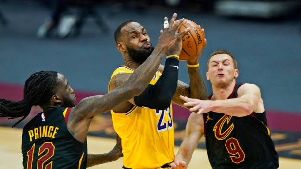 Aged 36, LeBron James becomes oldest player since Kobe Bryant to score over 40 points as he nets 46 in LA Lakers win over Cleveland