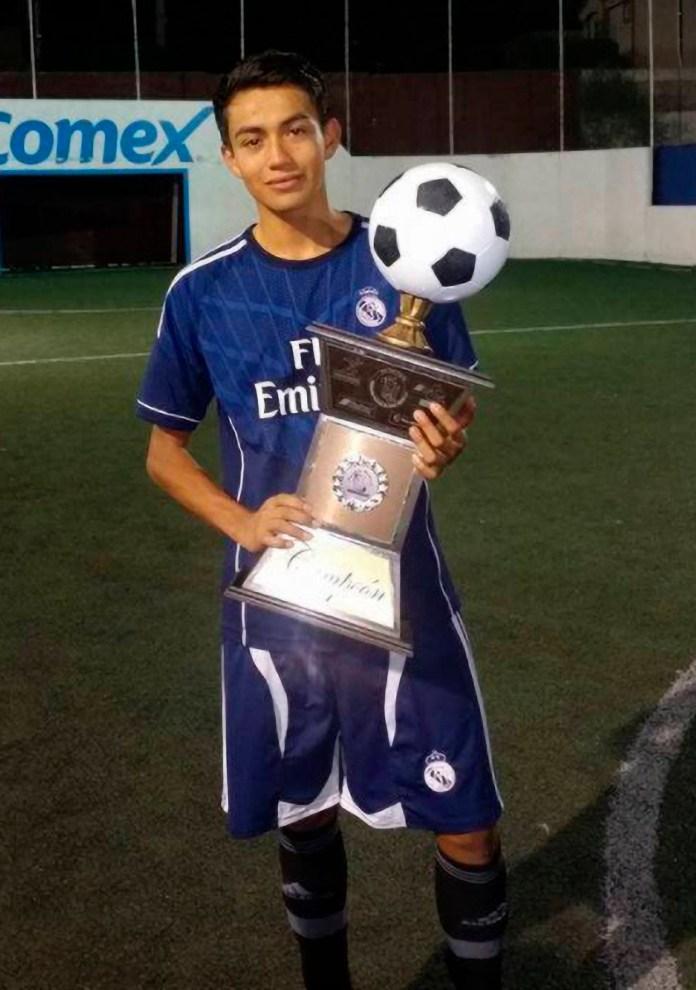 Mexican footballer, Rodrigo Alain Cuevas has leg amputated after electric shock (photos)