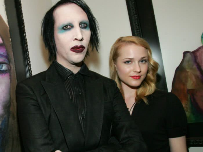 Police and helicopters swarm Marilyn Manson