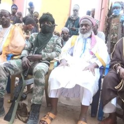 The Islamic prophet, Sheik Gumi, encounters more than 500 robbers in Zamfar, appeals to them to repent [photos]