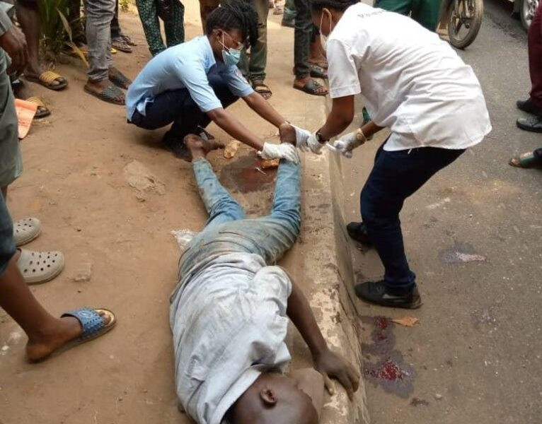 LASEMA rescues man who tried to commit suicide by jumping from a height in Ikeja