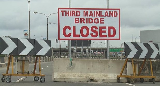 Minister of Works, Babatunde Fashola says Third mainland bridge will be reopened fully this weekend