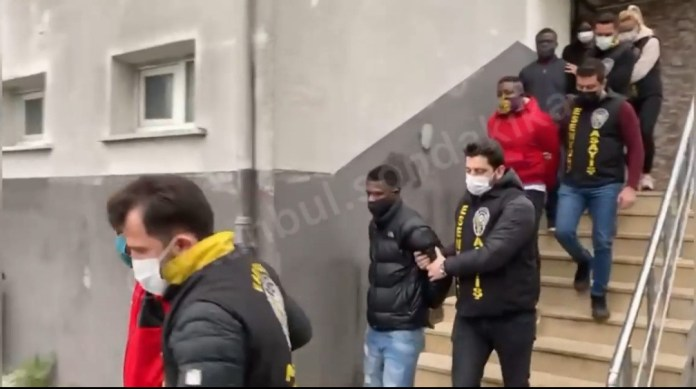 Nigerians arrested as hard drugs are found in their houses during raid in Istanbul (video)