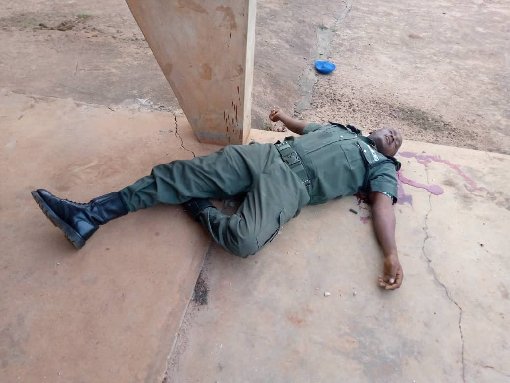 Breaking:  Gunmen attack ex-CBN governor Charles Soludo, kill 3 policemen (graphic)
