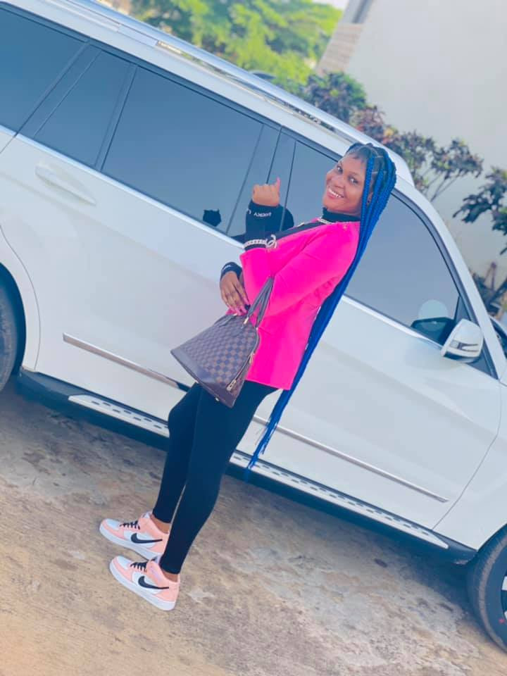 Nigerian lady arrested by EFCC for internet fraud shortly after welcoming new month with