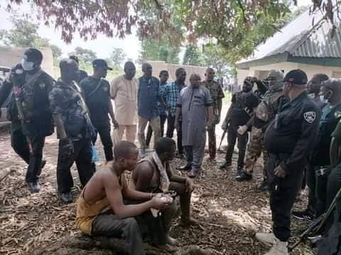 Police uncover shallow graves in Benue, exhume decomposing bodies of six kidnap victims, suspects