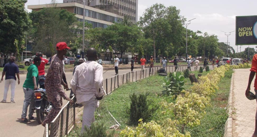 Thugs attack NLC protesters in Kaduna (photos)