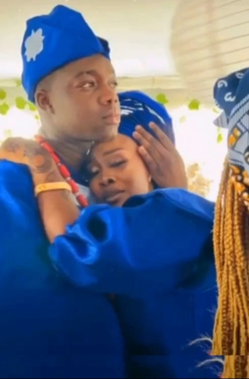 Instagram comedian, Cute Abiola, ties the knot with his girlfriend (photos/videos)