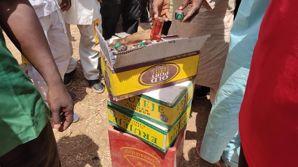 Hisbah destroys 260 cartons of alcoholic drinks in Bauchi (photos)
