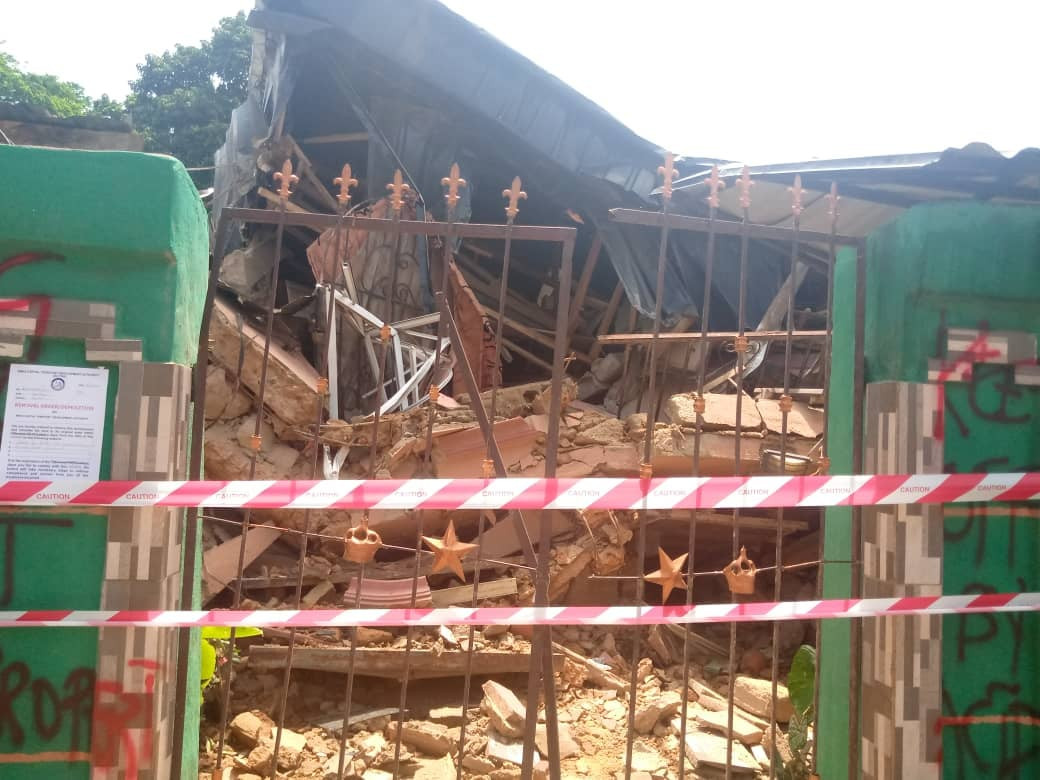 Family of six escapes death