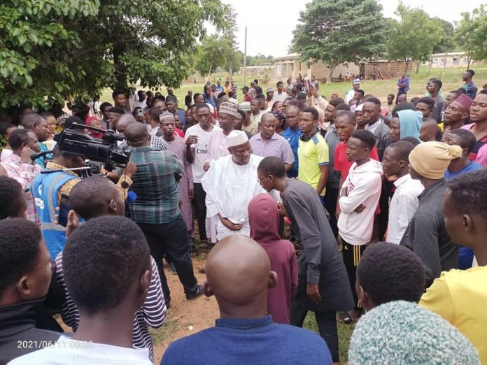 One student confirmed dead, two lecturers and 8 others kidnapped as armed bandits attack polytechnic in Kaduna