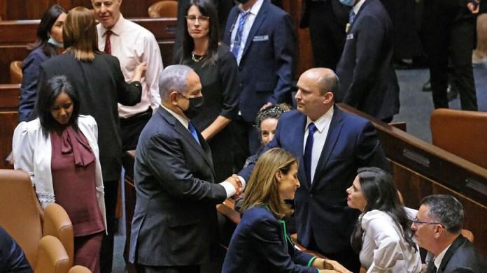 Naftali Bennett sworn in as Israel