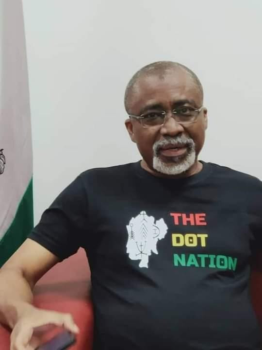 Abaribe wears a 'dot in the circle' t-shirt after Buhari's comment 3