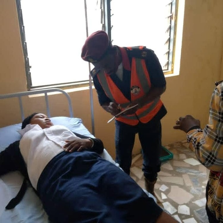 Trailer crushes three people to death in Ibadan (graphic photos)