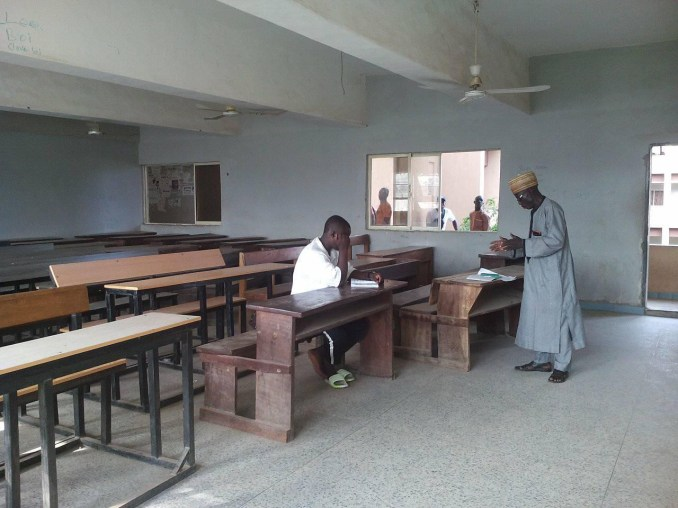 Bida Poly lecturer spotted teaching only one student who attended his class