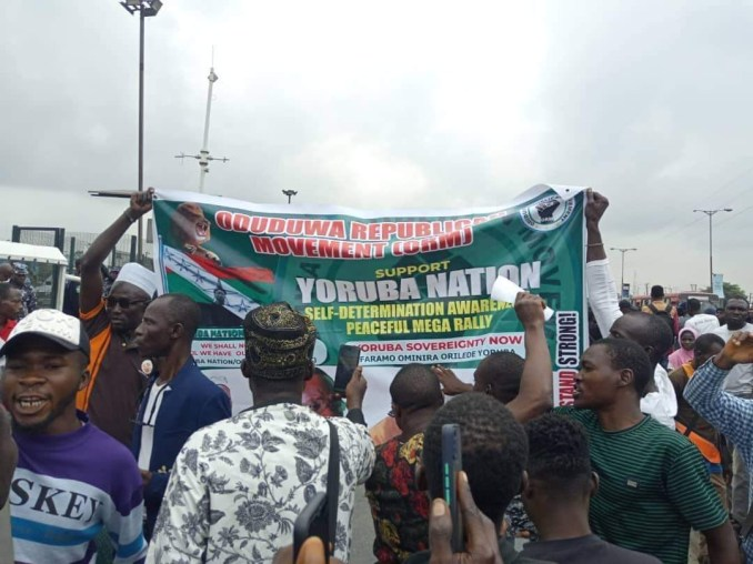 Police arrest and teargas Yoruba Nation protesters in Lagos (photos)