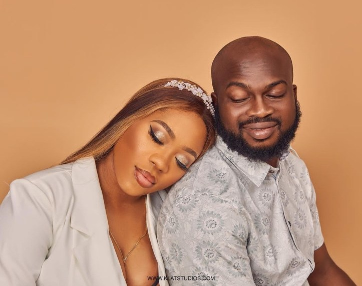 """""""I have a good wife in SA"""" Lincon goes on IG live to insult wife Bolanle (Pepper Dem), women, and the men supporting his wife"""