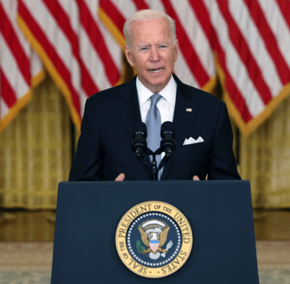 """""""I stand squarely behind my decision to withdraw US forces"""" Joe Biden says after Afghanistan collapsed to the Taliban (video)"""