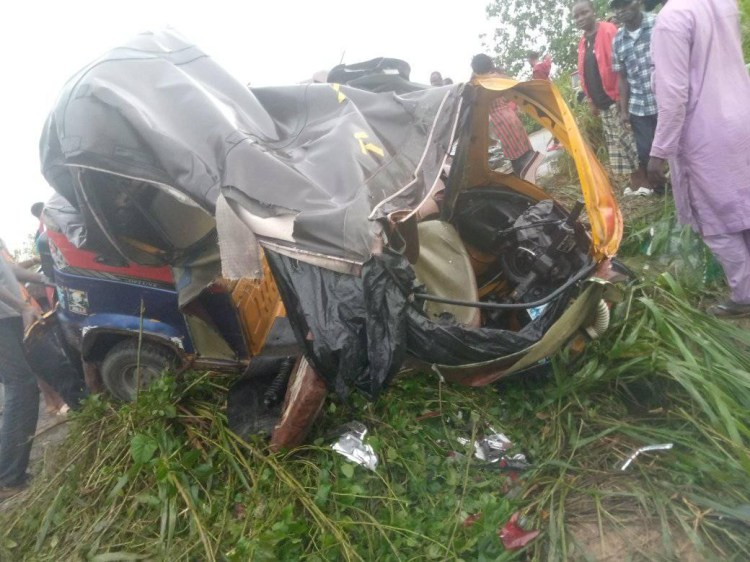 Five killed, others injured in Bayelsa Airport road accident (photos)