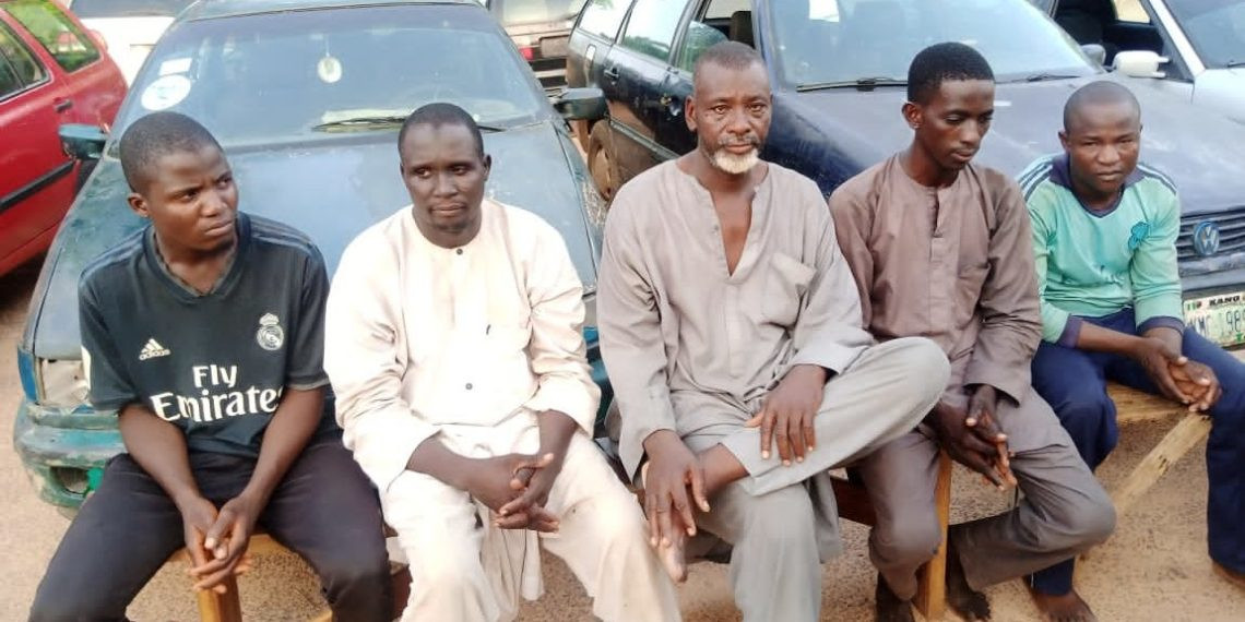 Police arrest foreigner and four others for allegedly supplying fuel to bandits in Katsina