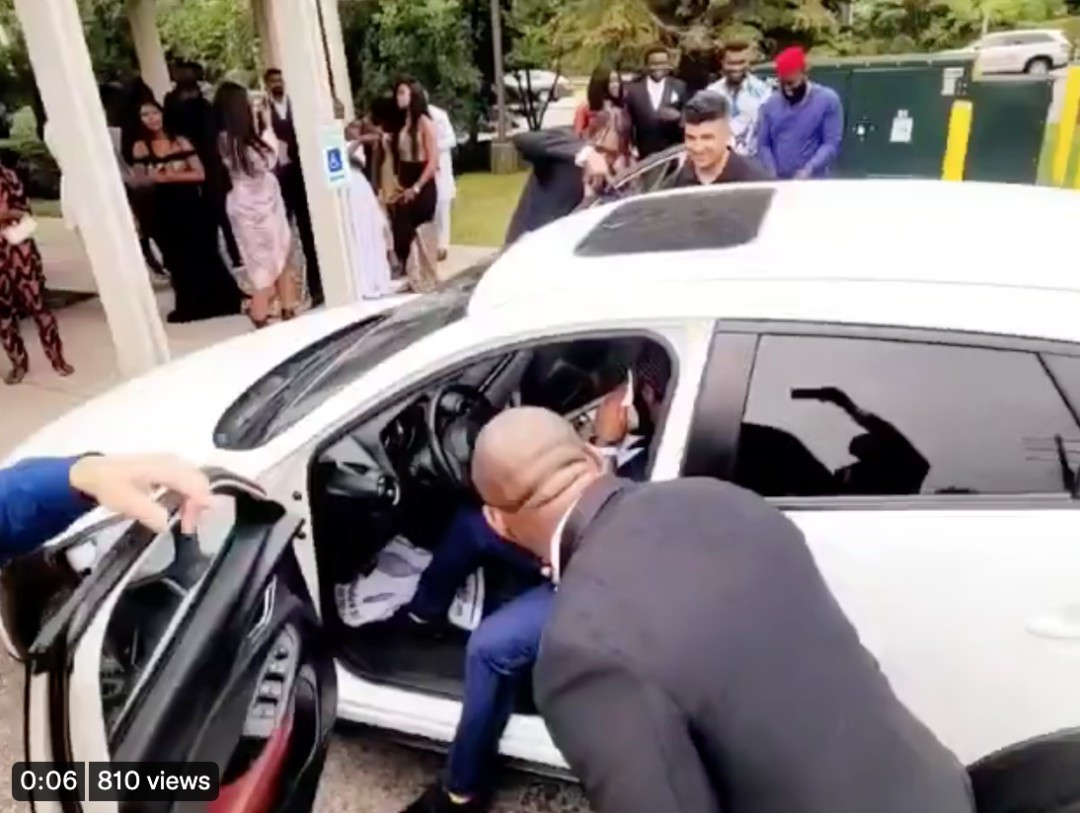 Nigerian man breaks down in tears after his bride gifted him a car on their wedding day (video)