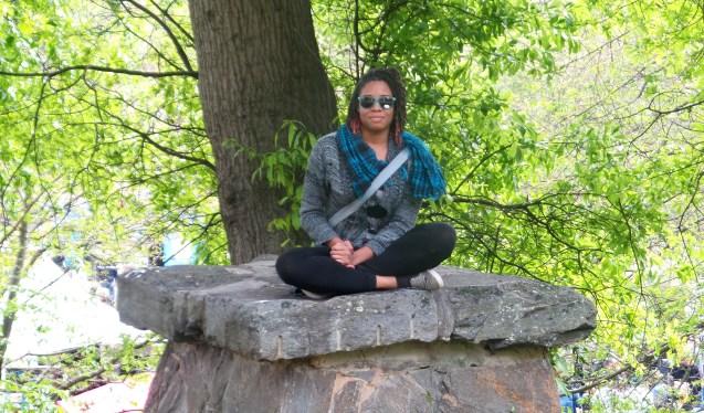 alexis chateau sitting rock fashion scarf shades