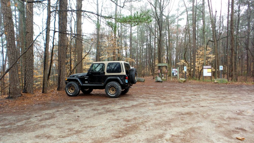 2 East Palisades Jeep at Park Entrance.jpg