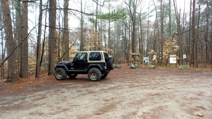 2 East Palisades Jeep at Park Entrance.jpg