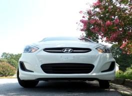 02 Seth the 2016 Hyundai Accent SE Hatchback