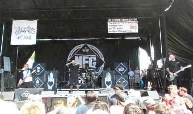 Jordan Pundik Performing with New Found Glory at Vans Warped Tour 2016