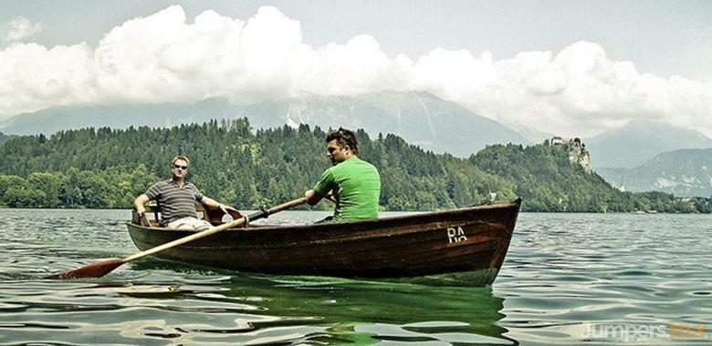 paseo en bote-bled-eslovenia-jumpers