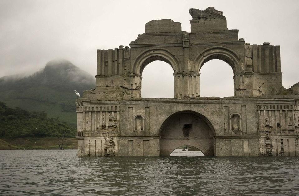 Una Iglesia Colonial De 400 Años Emerge De Las Aguas En México