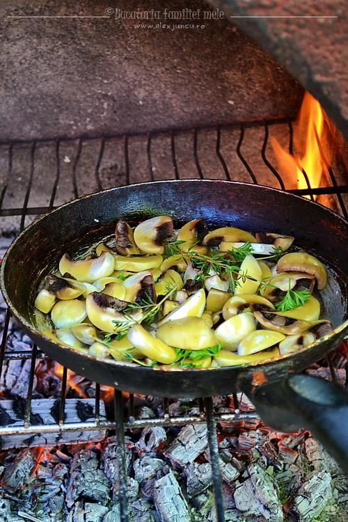 ciuperci pe foc