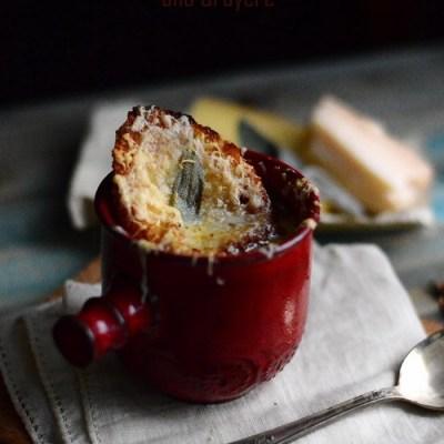 Supă de ceapă cu hribi