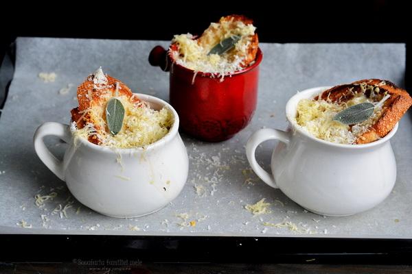 supa de ceapa cu gruyere