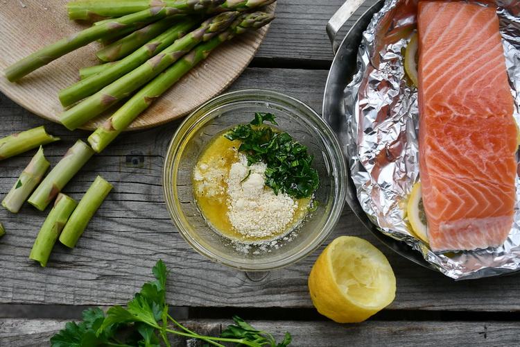 Somon cu lămâie - Bucătăria familiei mele - www.alexjuncu.ro