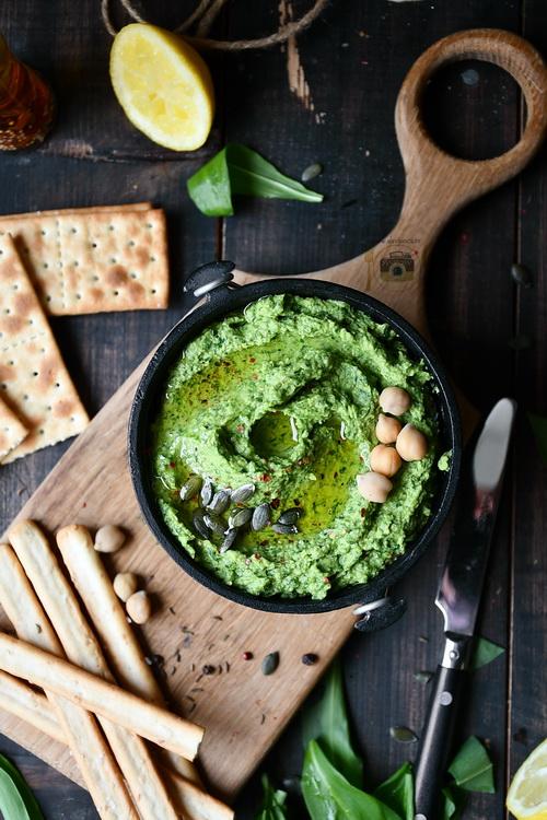 Hummus cu leurdă- Bucătăria familiei mele- www.alexjuncu.ro