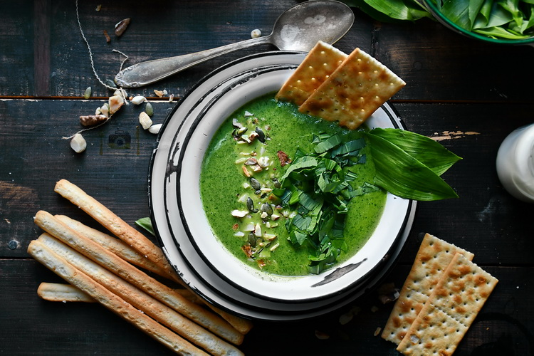 Supa de usturoi sălbatic - Bucătăria familiei mele- www.alexjuncu,ro