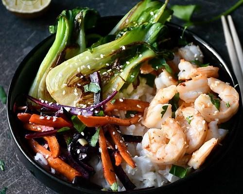 Bok choy la grătar, creveți cu usturoi și orez jasmine