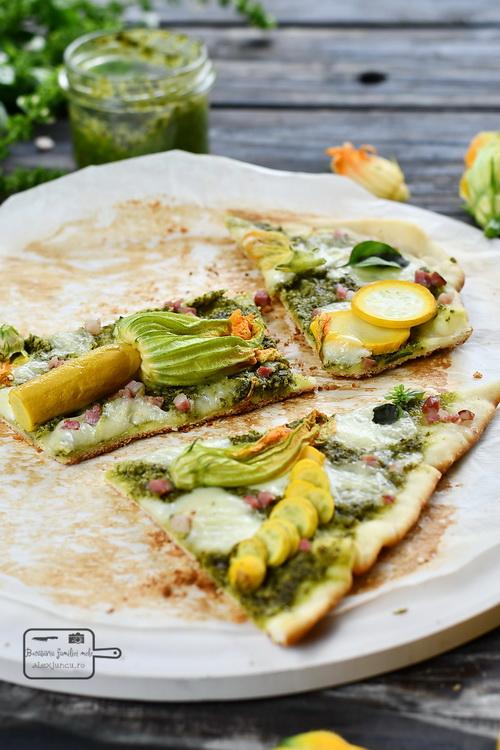 Pizza verde cu flori de zucchini- Bucătăria familiei mele- alexjuncu.ro