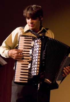 Alex Meixner- accordion promo shot