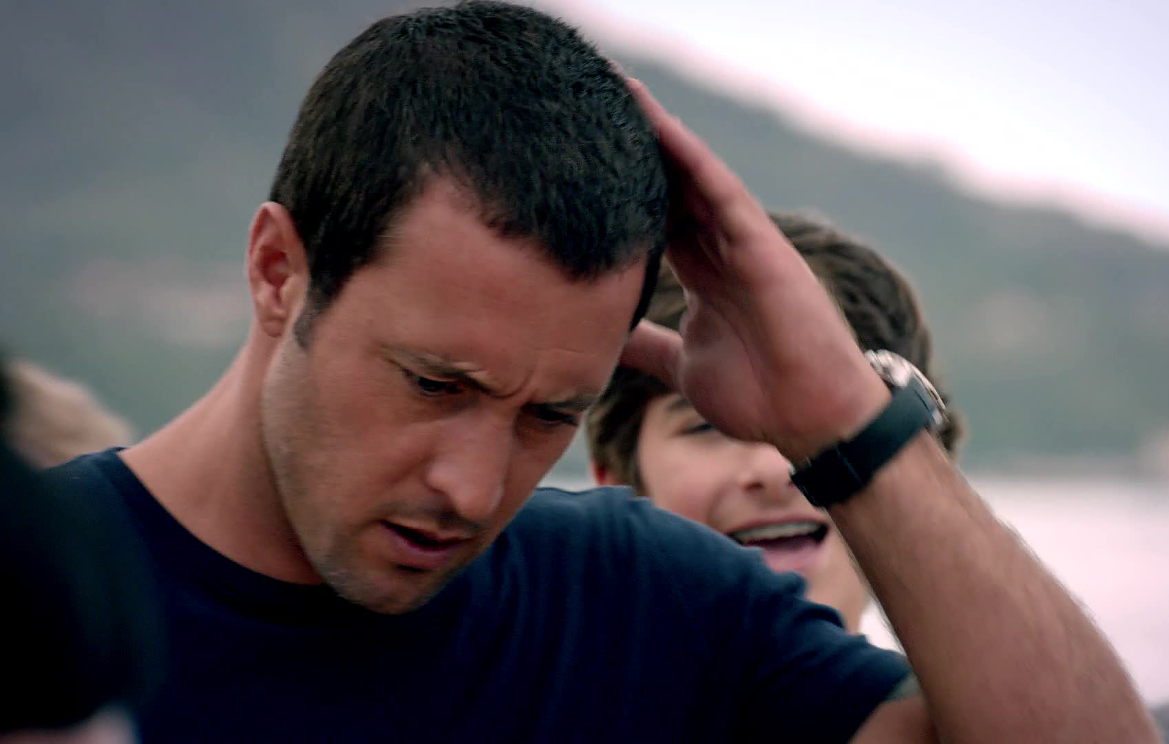 navy seal haircut alex o loughlin rocking the buzz cut the years 1085