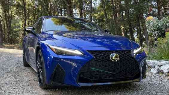 2021 IS 350 F Sport Front