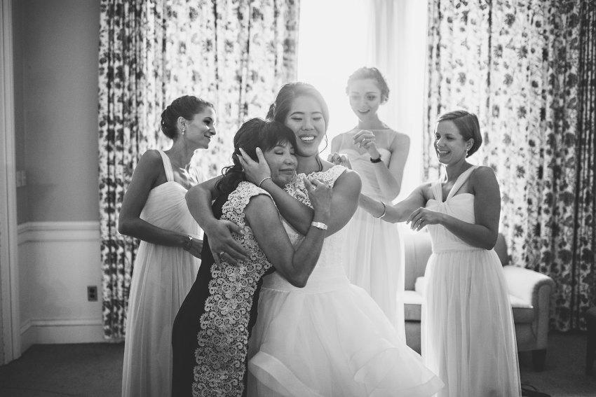 bride hugging mom