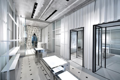 maison-margiela-opens-its-new-flagship-store-located-in-milan-01